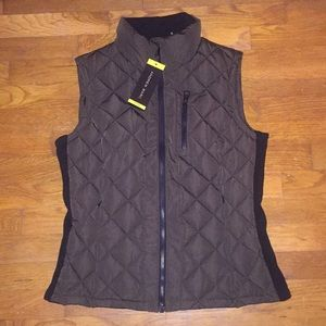 NWT Andrew Marc Quilted Vest size  small